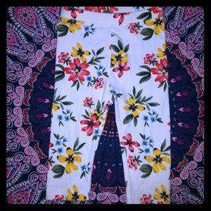 🌺🍃Capri length floral leggings 2T